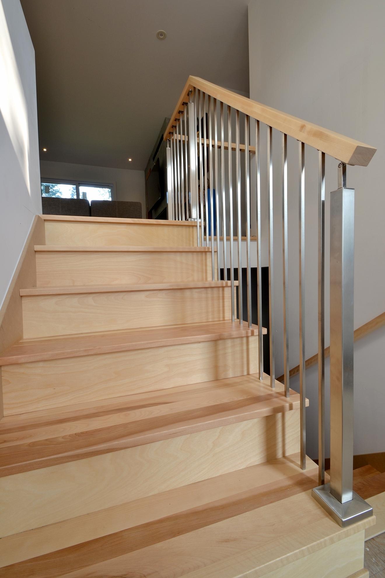 Picture of 03-Escalier barreaux de métal