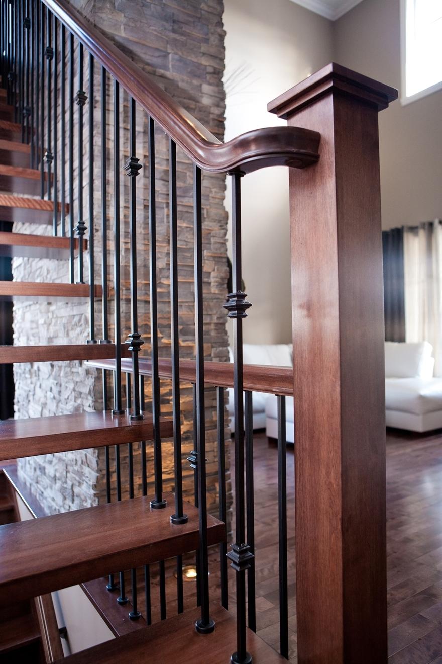 Image sur 04-Escalier barreaux de métal