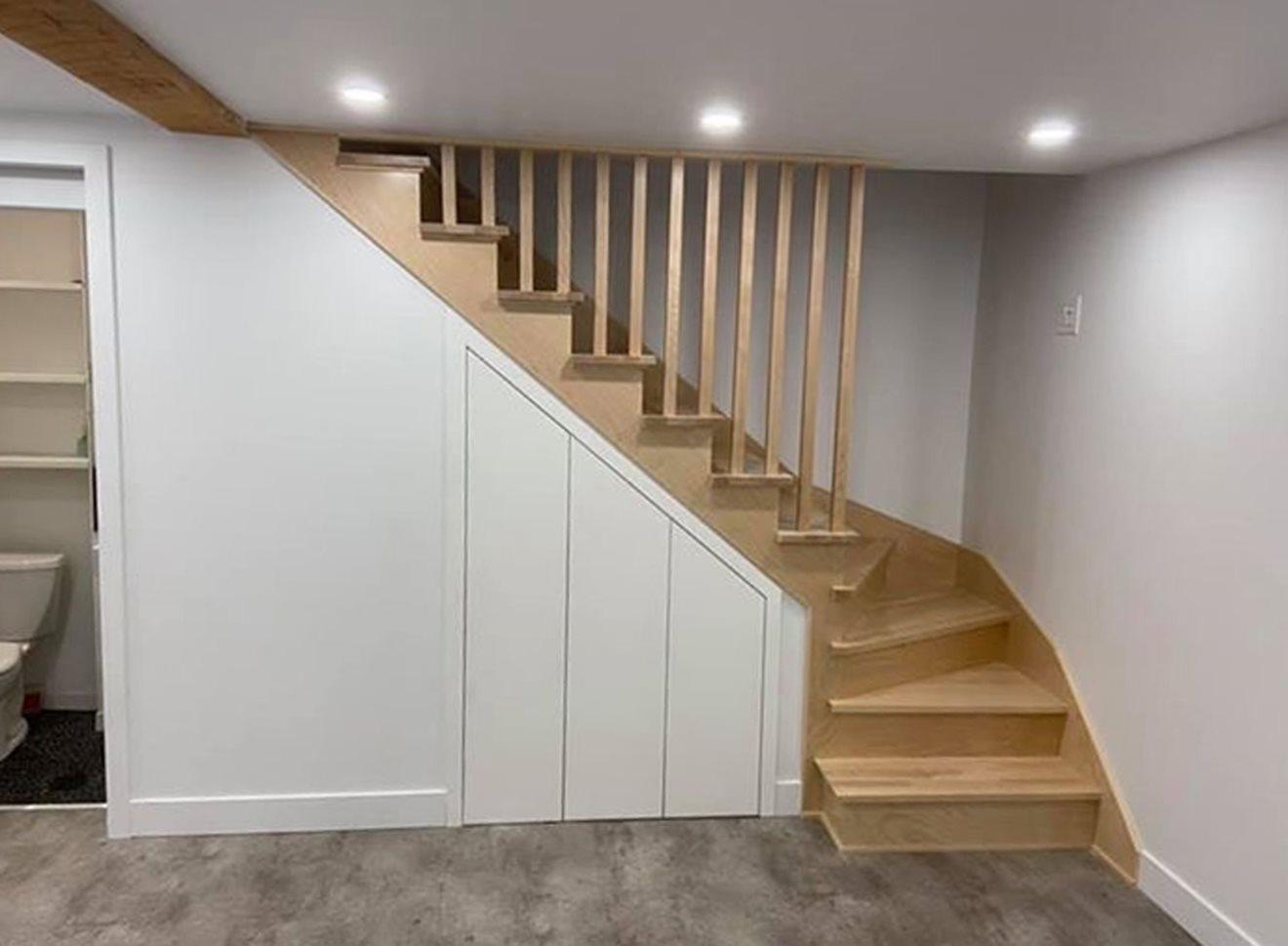 Image sur 10-Escalier barreaux de bois