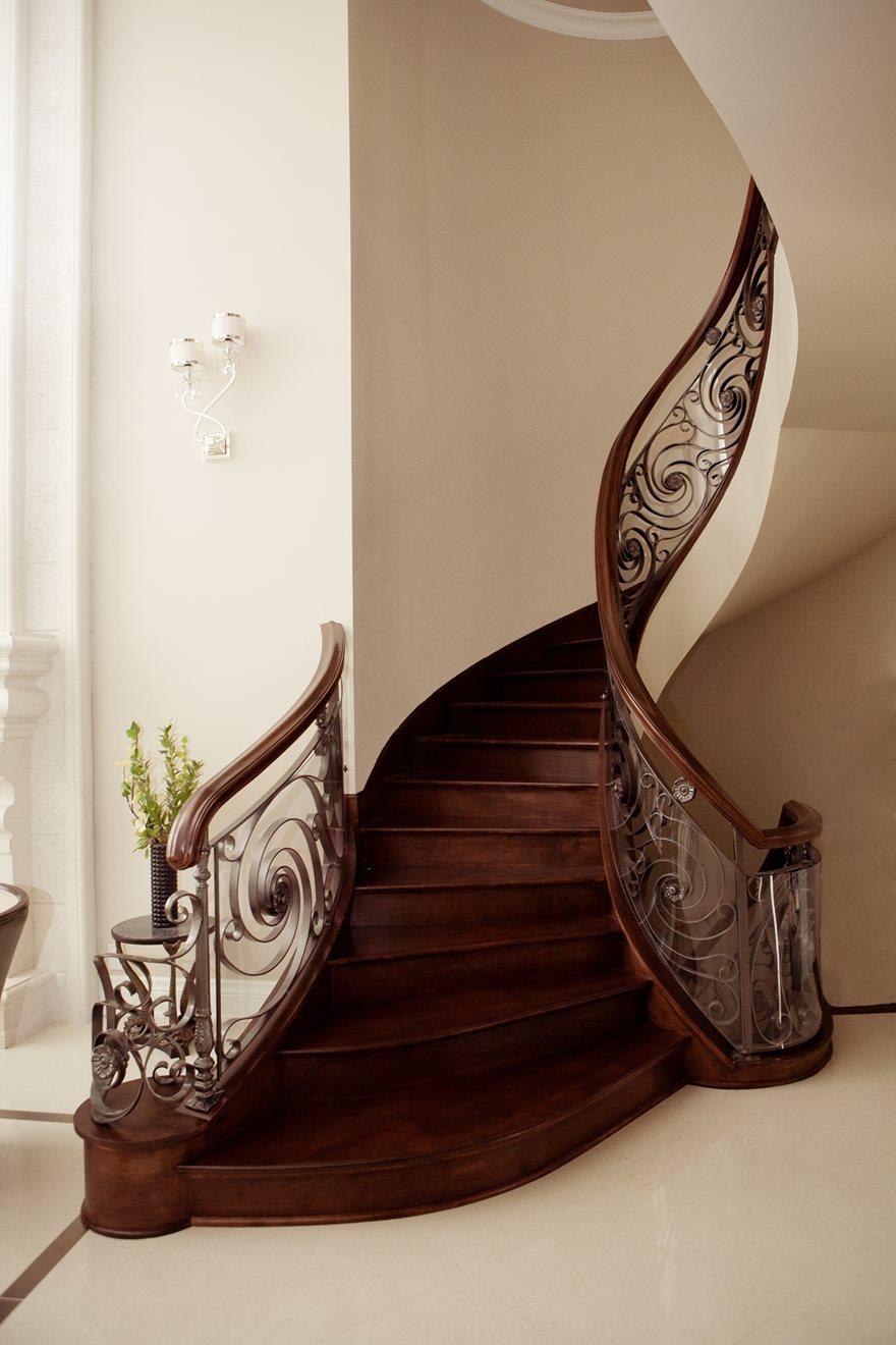 Picture of 06-Escalier barreaux de métal