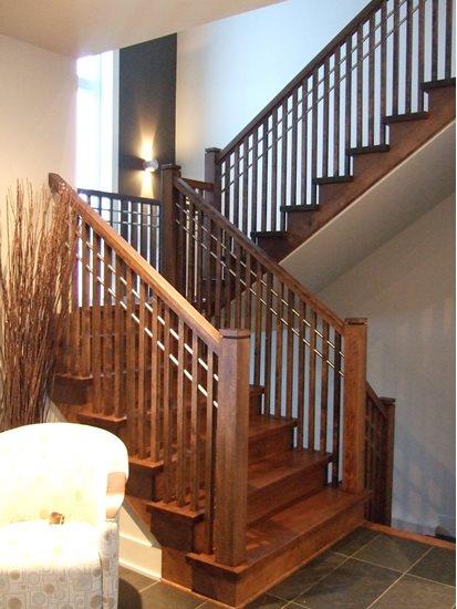 Image de 07-Escalier barreaux de bois