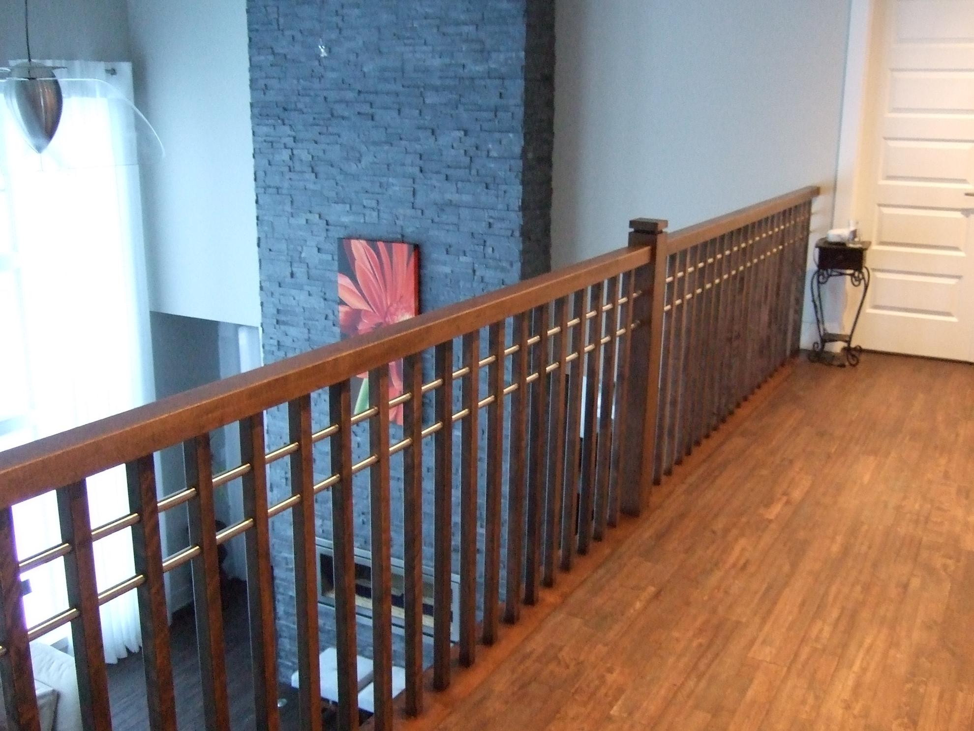 Picture of 07-Escalier barreaux de bois