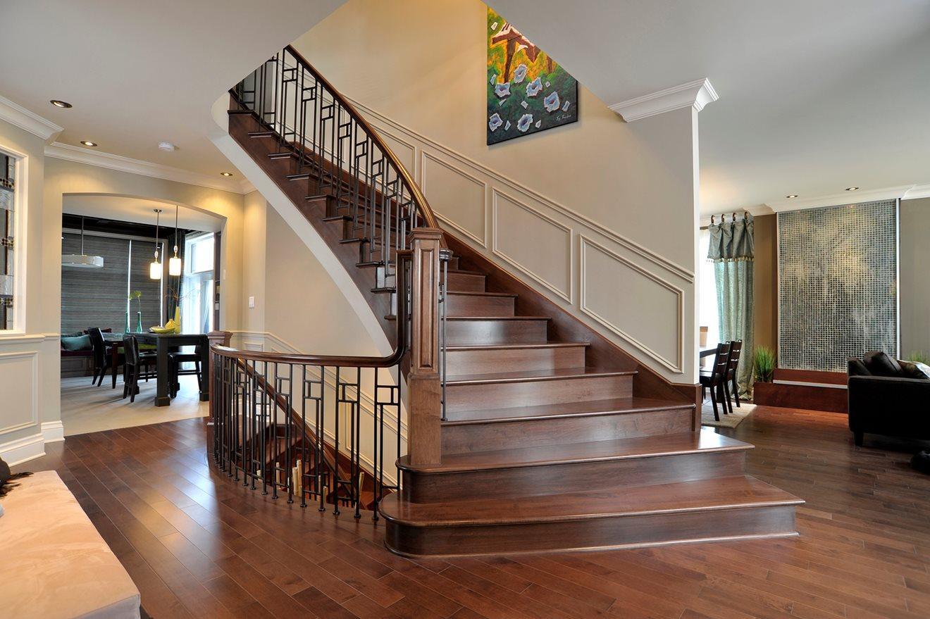 Picture of 11-Escalier barreaux de métal