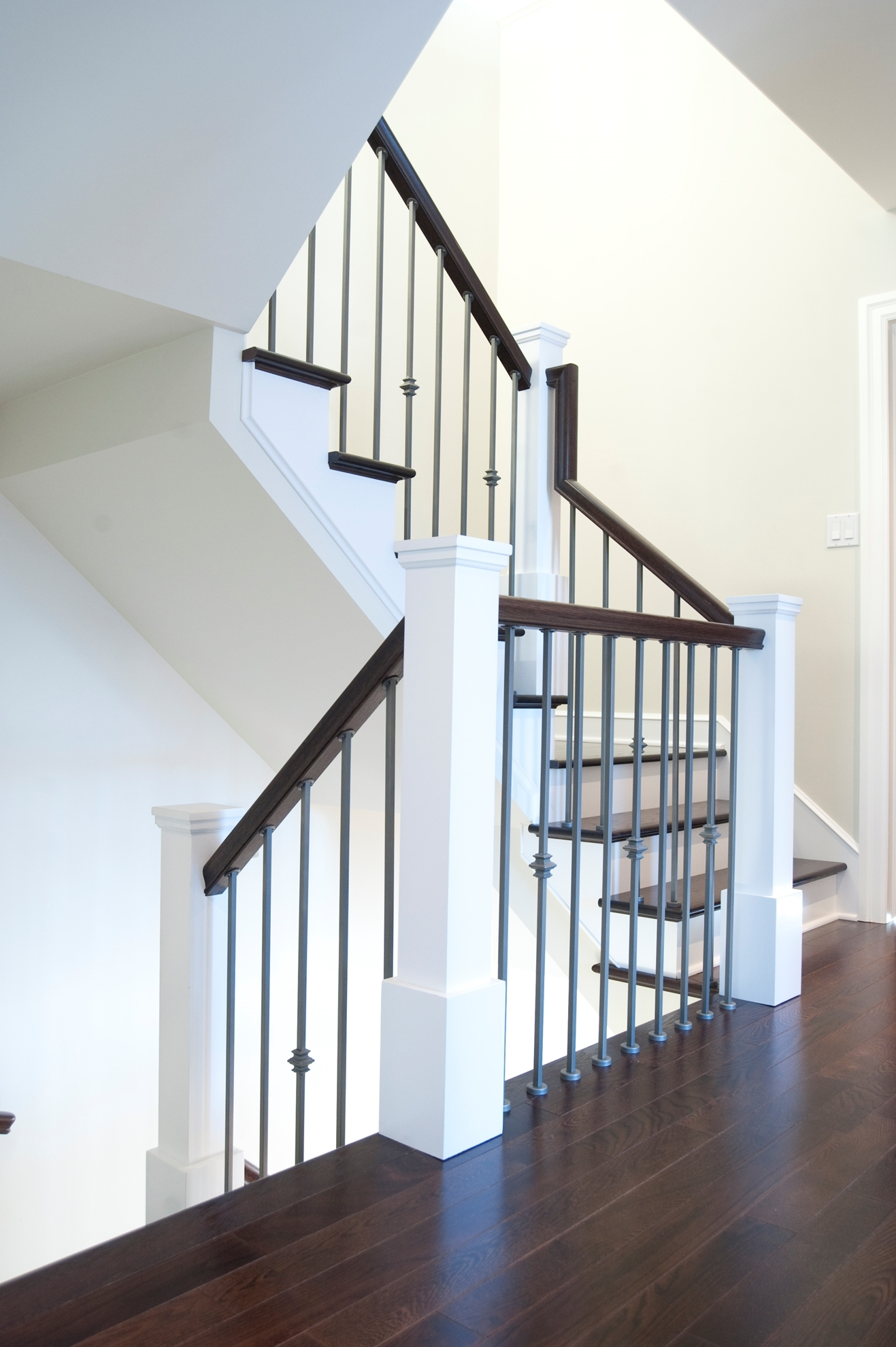 Image sur 10-Escalier barreaux de métal