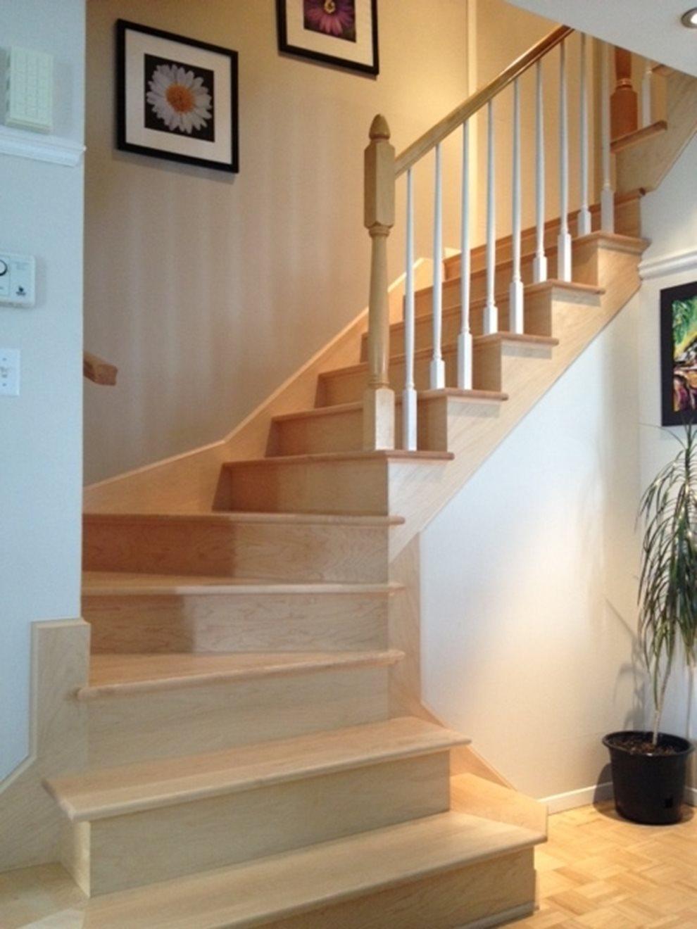 Image sur 09-Escalier barreaux de bois