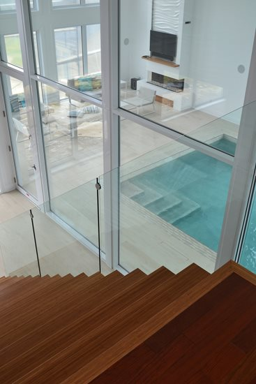 Picture of 10-Escalier panneaux de verre