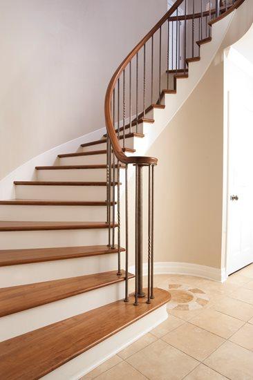 Picture of 07-Escalier barreaux de métal