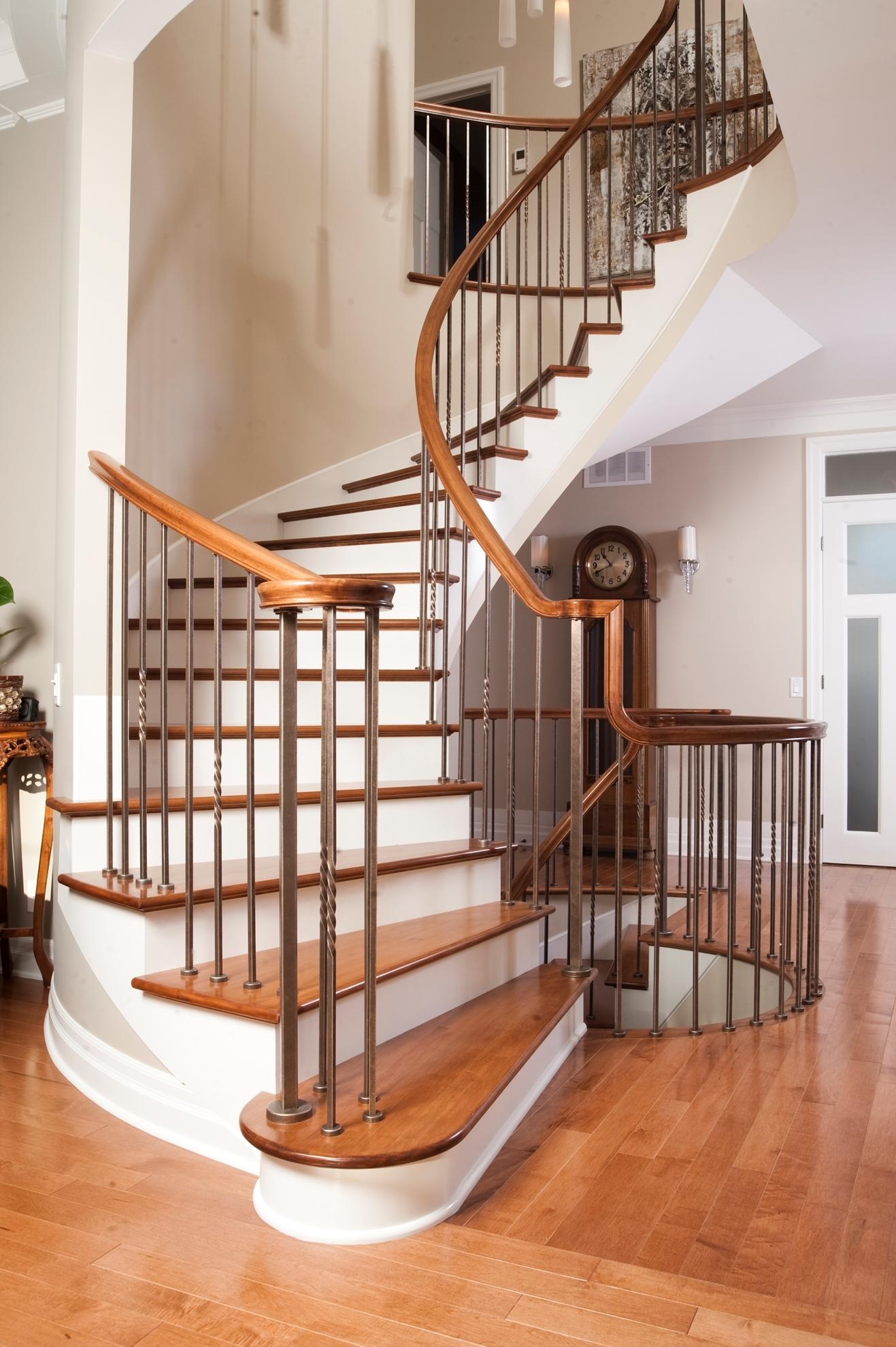 Image sur 07-Escalier barreaux de métal