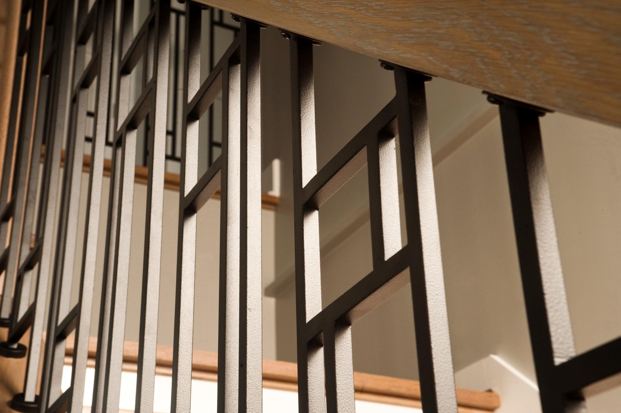 Image sur 08-Escalier barreaux de métal