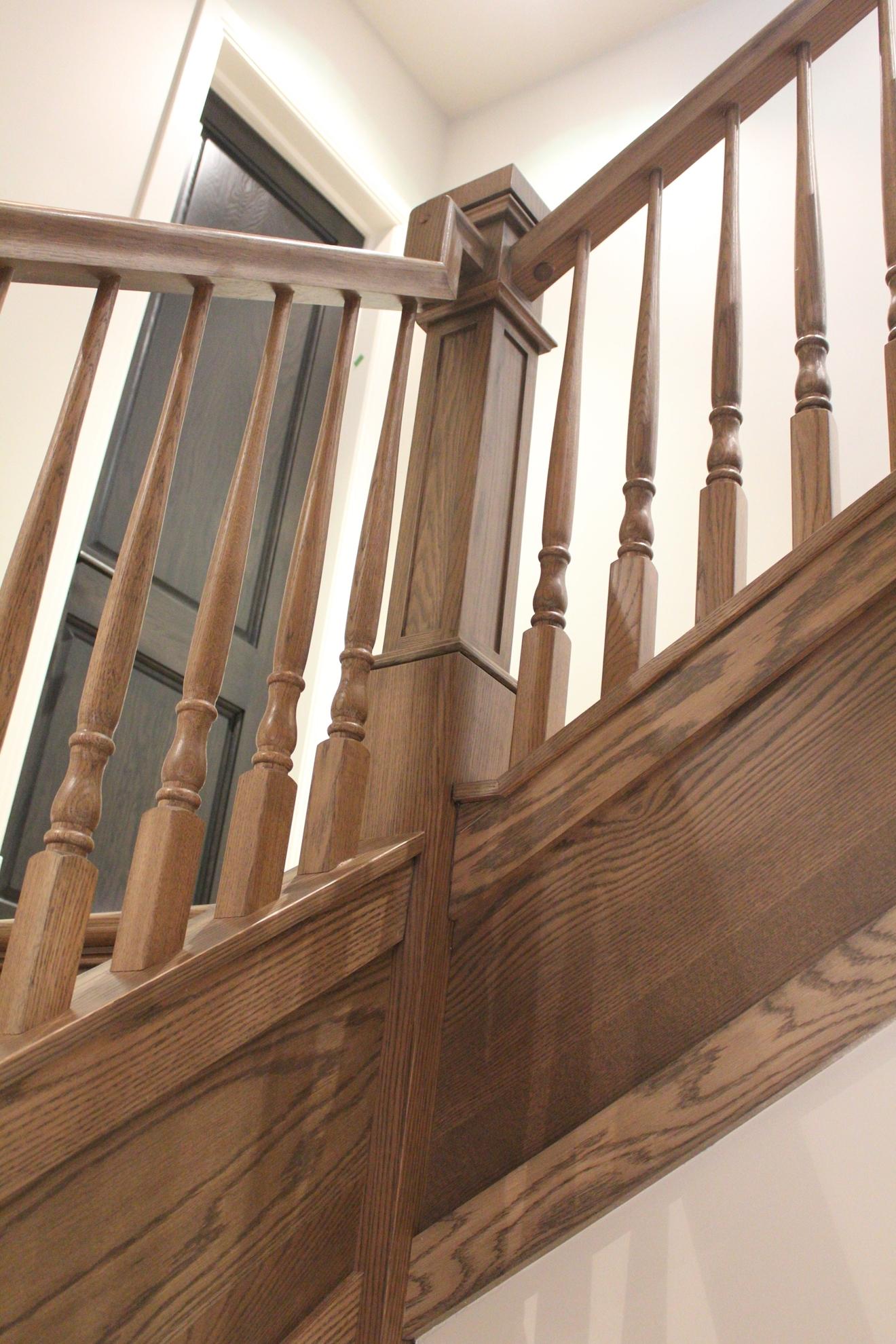 Image sur 11-Escalier barreaux de bois