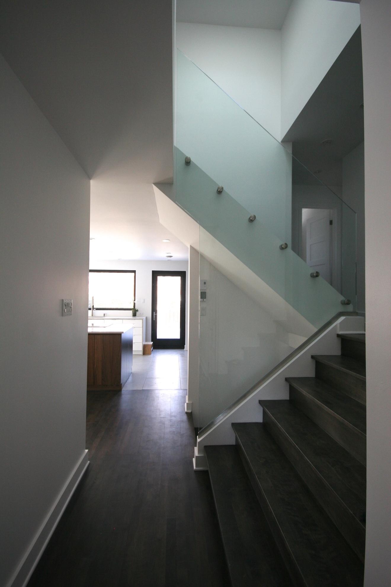 Picture of 11-Escalier panneaux de verre
