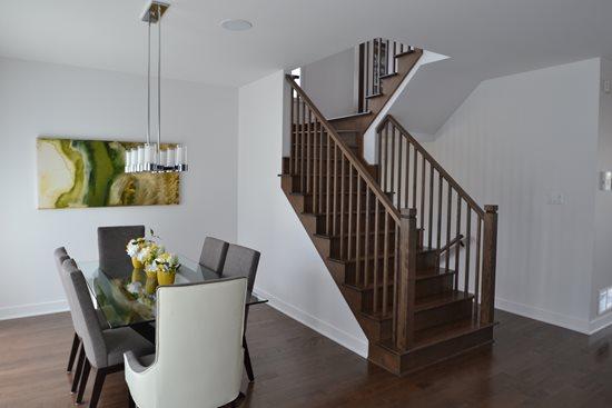 Image de 12-Escalier barreaux de bois