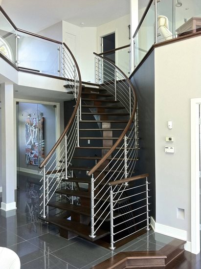 Picture of 15-Escalier barreaux de métal