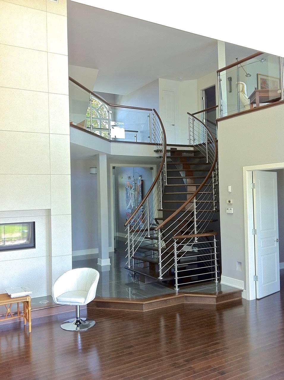Image sur 15-Escalier barreaux de métal