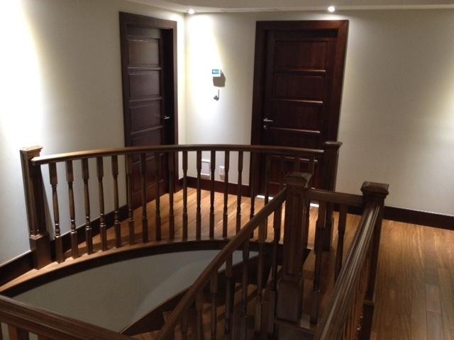 Picture of 13-Escalier barreaux de bois
