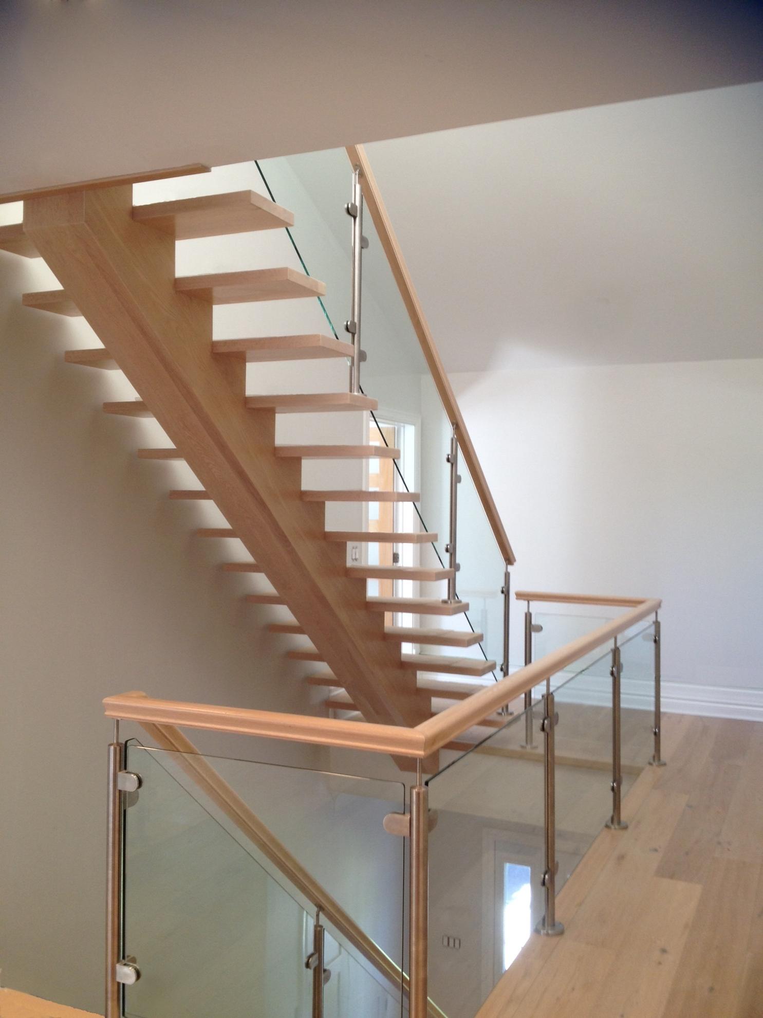 Picture of 02-Escalier panneaux de verre