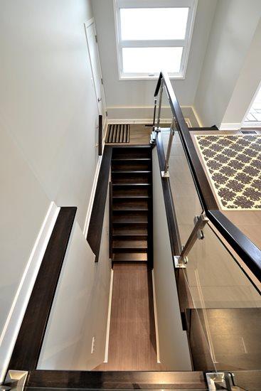 Picture of 14-Escalier panneaux de verre