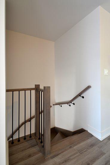 Picture of 20-Escalier barreaux de métal