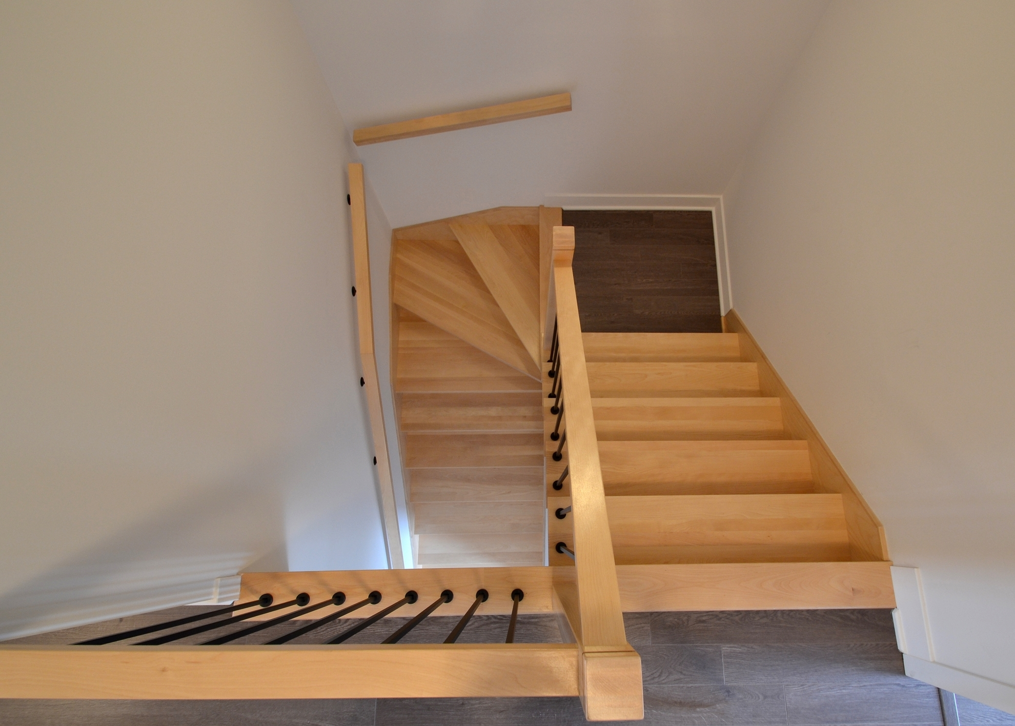 Image sur 21-Escalier barreaux de métal