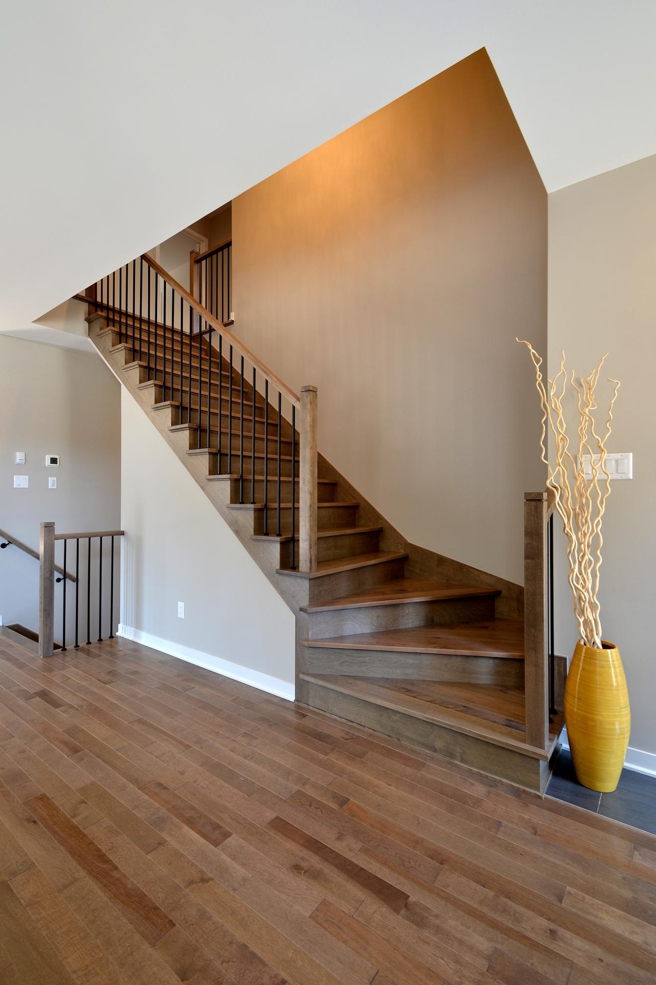 Image sur 22-Escalier barreaux de métal