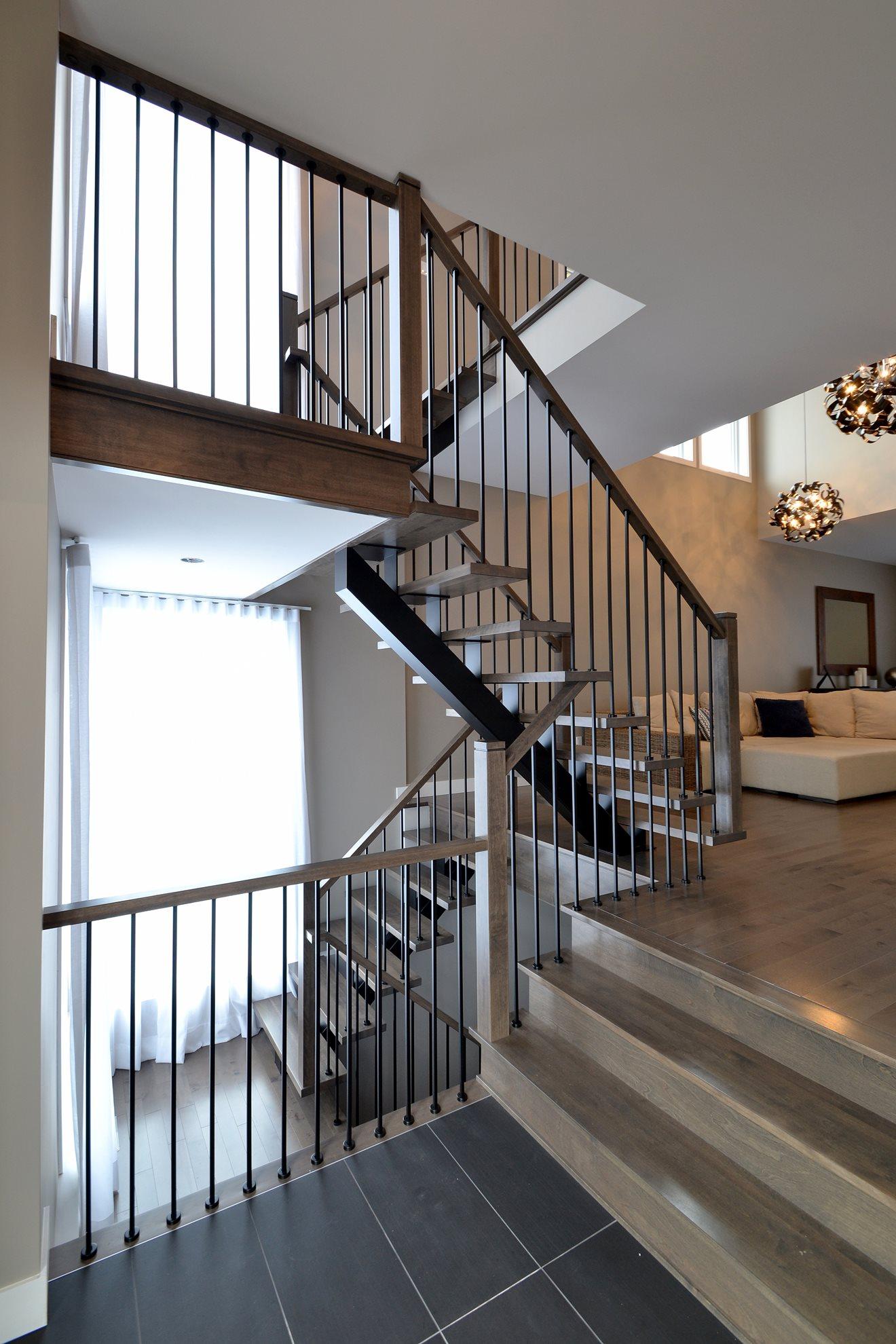 Escalier barreaux de métal