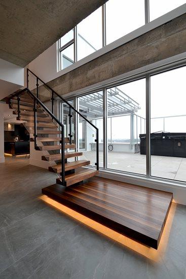 Picture of 17-Escalier panneaux de verre